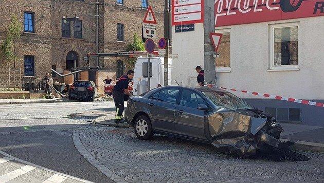 """Kettenreaktion nach Pkw-Unfall: Mehrere Verletzte (Bild: """"Krone""""-Leserreporter)"""
