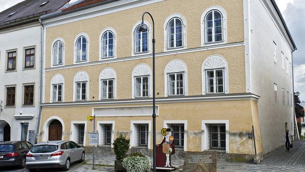 Das Hitler-Geburtshaus in Braunau (Bild: APA/MANFRED FESL)