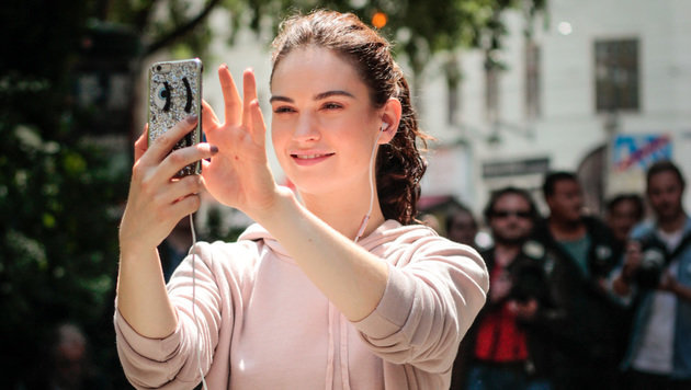 """Hollywood-Star Lily James: Laufend durch Wien! (Bild: Felix Krisai)"""