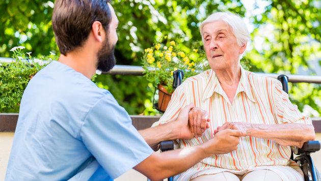 Pflegekosten fallen höher aus als budgetiert (Bild: thinkstockphotos.de)