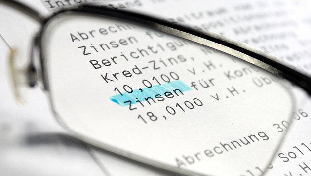 Banken erstatten Kunden bereits Geld zurück (Bild: dpa/Karl-Josef Hildenbrand)