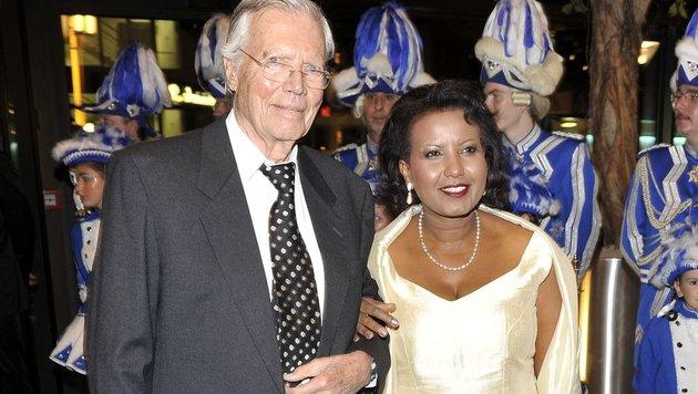 Karlheinz Böhm mit Ehefrau Almaz (Bild: Michael Timm/face to face)