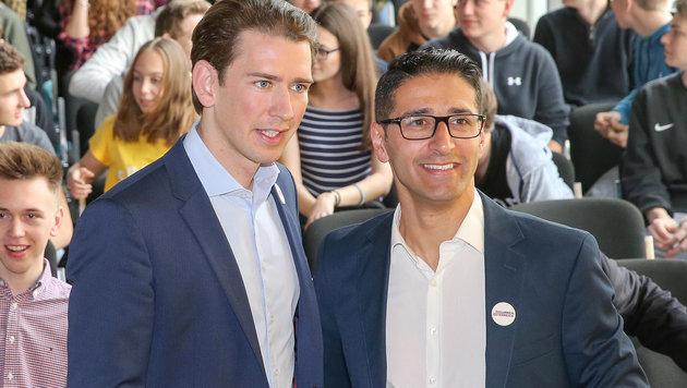 Sebastian Kurz und Efgani Dönmez (Bild: APA/HANNES DRAXLER)