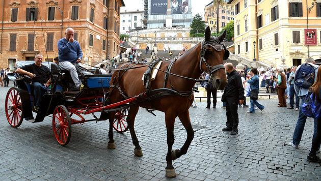 Rom tauscht Fiaker gegen elektrische Kutschen (Bild: AFP)