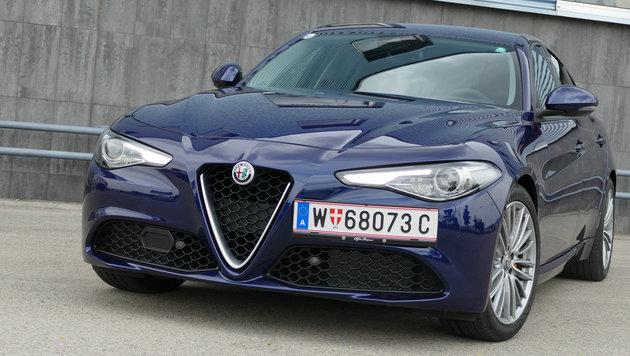 Alfa Romeo Giulia Super 2,2: Diva, Diva, Diva (Bild: Stephan Schätzl)