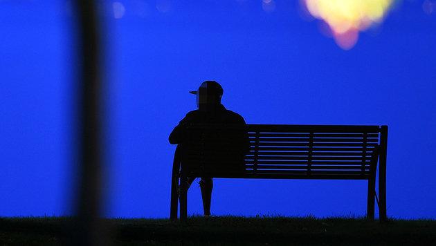 19-Jährige auf Parkbank sexuell belästigt (Bild: APA/dpa)