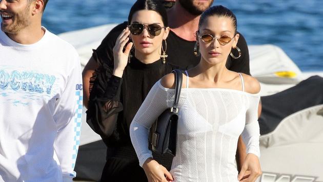 Einen Trip nach Mykonos gönnen sich auch Kendall Jenner und Bella Hadid (Bild: www.PPS.at)