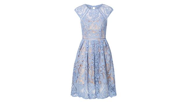 Sommerkleid mit Spitze in Eisblau (Bild: Peek & Cloppenburg)