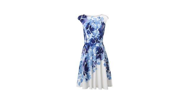 Kleid mit blauen Blüten (Bild: Peek & Cloppenburg)