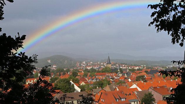 Auf Regen folgt Sonne - aber erst ab Sonntag (Bild: APA/dpa-Zentralbild/Matthias Bein)