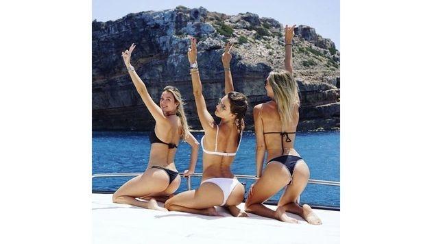 Alessandra Ambrosio feiert mit ihren Freundinnen auf Mykonos eine Bikini-Party. (Bild: www.PPS.at)