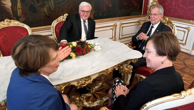 Steinmeier: Von Afghanistan in die Hofburg (Bild: APA/ROLAND SCHLAGER)