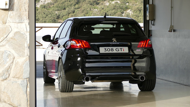 Peugeot 308: In GTi und Racing Cup am Ascari-Track (Bild: Stephan Schätzl)