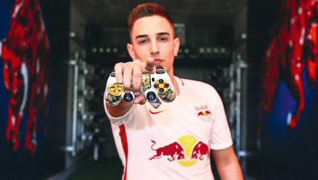 Andres Torres von Red Bull Salzburg ist Österreichs erster Profi-Gamer eines Bundesliga-Klubs (Bild: FC Red Bull Salzburg)