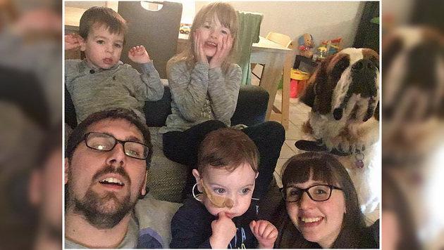 Familie D. kämpft gemeinsam für Lukas. (Bild: Privat)
