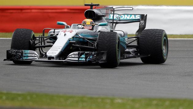 Hamilton stürmt in Silverstone auf Poleposition! (Bild: AP)