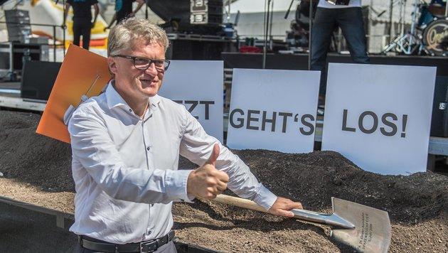 2015 war Spatenstich, auf den Westringbau muss der Linzer Stadtchef Klaus Luger noch immer warten. (Bild: fotokerschi.at)