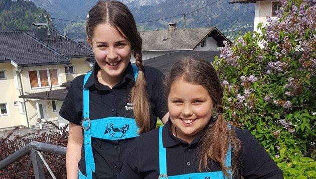 Stefanie (12) und Hanna (11) gehen als Zillertaler Blaukehlchen ins Rennen. (Bild: Zillertaler Blaukehlchen)