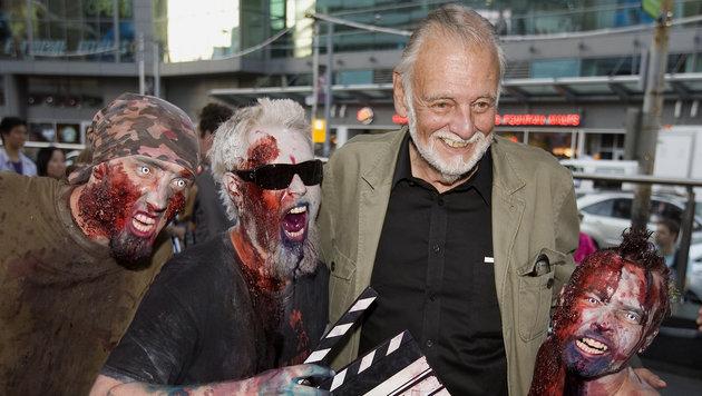 George A. Romero mit Zombies (Bild: AP)