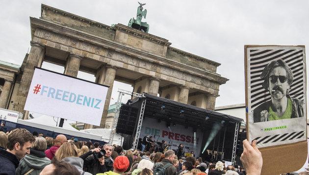 Berlin unterstützt Deniz Yücel bei Klage vor EGMR (Bild: AFP)