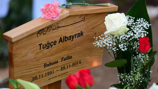 Das Grab von Tugce Albayrak (Bild: APA/dpa/Unbekannt)