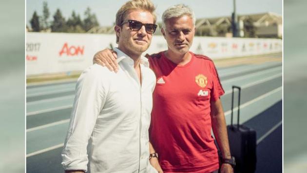 Formel-1-Weltmeister Nico Rosberg posiert mit Manchester-United-Coach Jose Mourinho. (Bild: instagram.com)