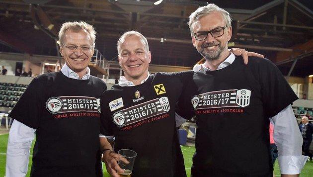 Die Spitzenpolitik steht hinter dem Klub: LH Stelzer, LASK-Boss Gruber und LR Strugl  (v.l.) (Bild: Harald Dostal)