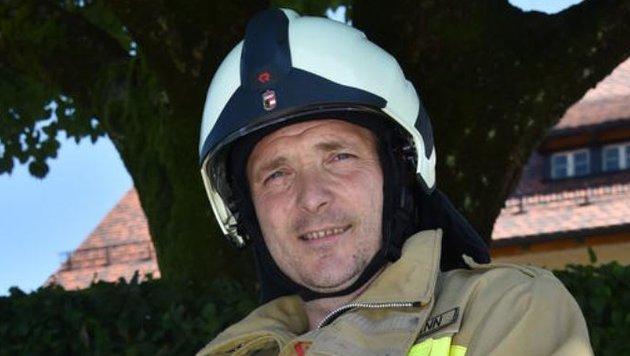 Michael Perkmann, Vizebürgermeister und Feuerwehrmann, fordert endlich einen Notarzt im Flachgau. (Bild: Wolfgang Weber)
