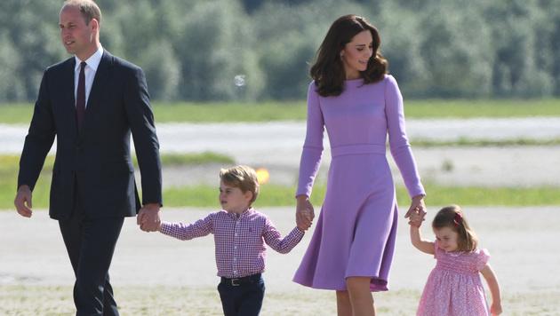 William und Kate mit ihren Kindern George und Charlotte (Bild: AFP)