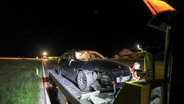 Der BMW wurde durch den Aufprall demoliert. (Bild: Pressefoto Scharinger © Daniel Scharinger)