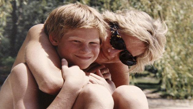 Diana mit Harry (Bild: AP)