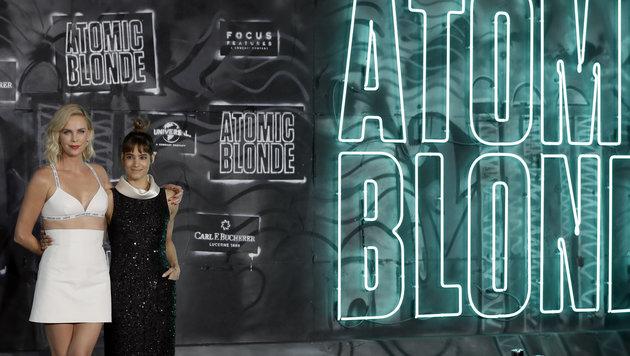"""Charlize Theron bei der Weltpremiere ihres neuesten Films """"Atomic Blonde"""" in Berlin. (Bild: ASSOCIATED PRESS)"""