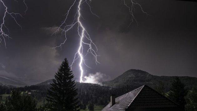 Krone-Leser Heinz Petelin wurde Samstag Zeuge eines Blitzeinschlages in der Lerchner-Alm im Lungau. (Bild: Heinz Petelin)