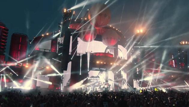 Gänsehaut pur: 40.000 Fans singen Linkin-Park-Song (Bild: facebook.com)