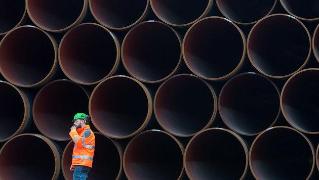 Stahlrohre für die Ostsee-Gaspipeline Nord Stream 2 auf der deutschen Insel Rügen (Bild: APA/dpa-Zentralbild/Stefan Sauer)