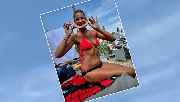 Tennis-Star Karolina Pliskova entspannt im Bikini - als Snack gab's eine Wassermelone. (Bild: Instagram)