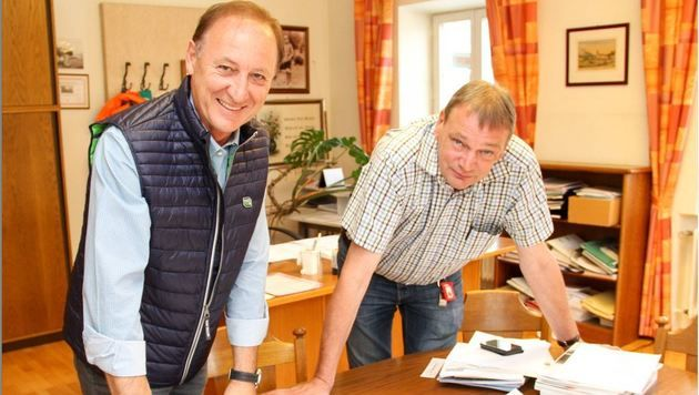 TVB-Obmann Ferdinand Laimer und Bgm. Josef Weikinger (Bild: Melanie Hutter)