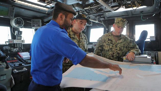 Die USA unterhalten in Katar eine Militärbasis, es gibt häufig gemeinsame Militärmanöver. (Bild: AFP)