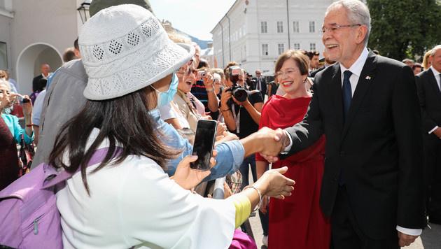 Händeschütteln - nonstop: Bundespräsident Van der Bellen. (Bild: www.neumayr.cc)