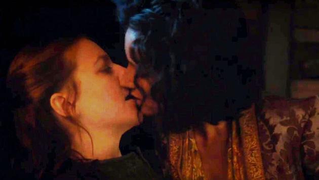 Der Kuss zwischen Yara Greyjoy und Ellaria Sand stand gar nicht im Drehbuch. (Bild: Viennareport)