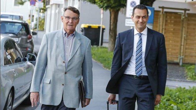 Othmar Raus mit Anwalt Gerald Ruhri: â01EDie Fakten reichen nicht.â01C (Bild: Markus Tschepp)