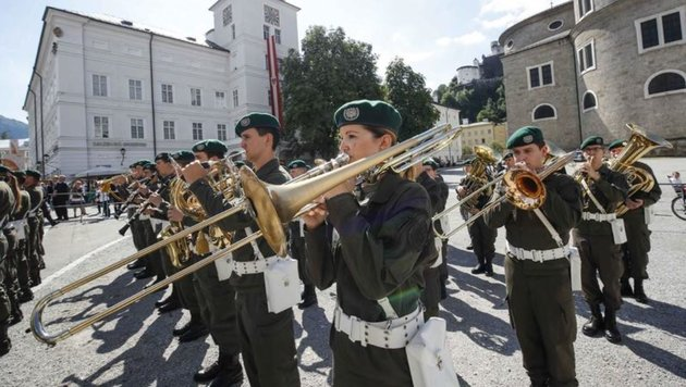 Sie ist auferstanden und spielt wieder: Unsere Salzburger Militärmusik. (Bild: Markus Tschepp)