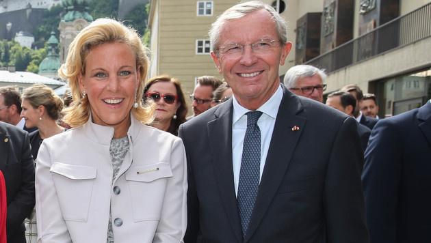 Festlich: Landeshauptmann Wilfried Haslauer und Ehefrau Christina (Bild: www.neumayr.cc)
