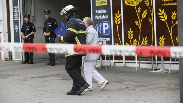 Blutiger Messer-Terror in Hamburg: Ein Todesopfer! (Bild: AP)