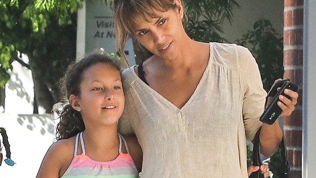 Halle Berry mit Tochter Nahla (Bild: www.PPS.at)