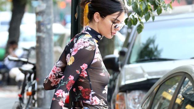 Kendall Jenner mag einfach keine BHs. (Bild: www.PPS.at)