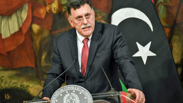 Regierungschef (fast) ohne Land: Libyens Premier Al-Sarraj (Bild: ANDREAS SOLAR/AFP)