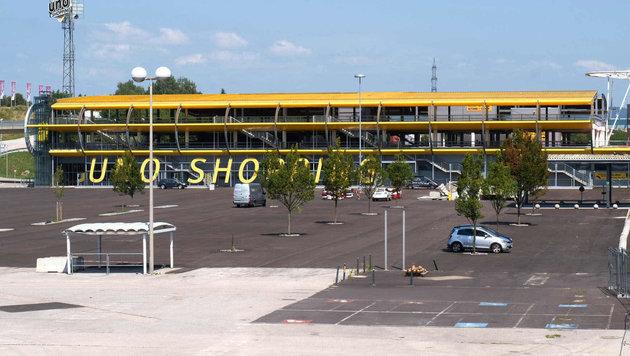 Noch herrscht Leere am Uno-Parkplatz - am 15. September soll wieder geöffnet werden. (Bild: Horst Einöder)