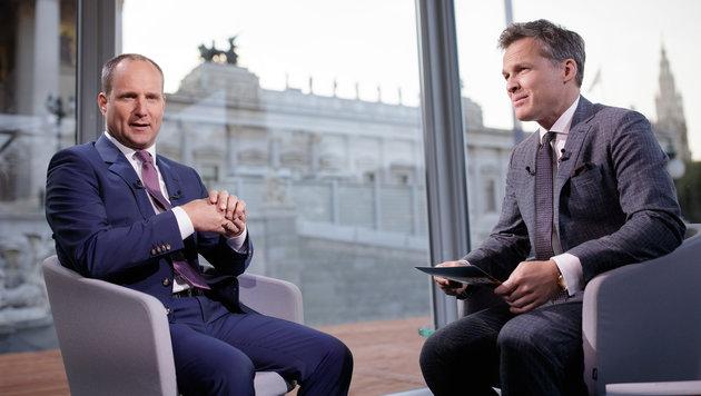 """NEOS-Chef Matthias Strolz machte den Auftakt zu den diesjährigen """"Sommergesprächen"""". (Bild: APA/GEORG HOCHMUTH)"""