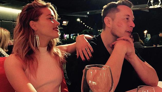 Amber Heard mit Elon Musk (Bild: instagram.com/elonmusk)
